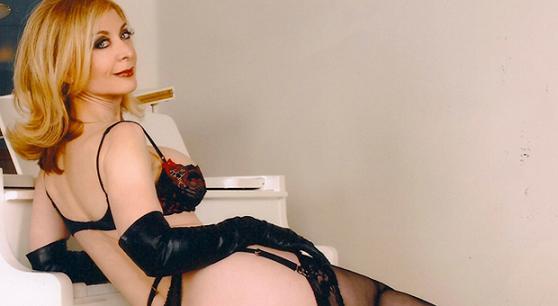 Nina Hartley madurita